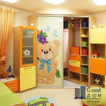 Угловой шкаф-купе для детской