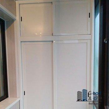 белый шкаф из алюминиевого профиля