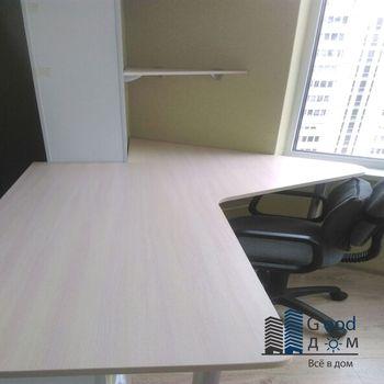 Угловой стол на балкон