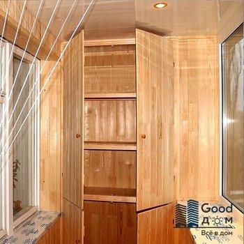 Отделка балкона вагонкой и деревянный шкаф
