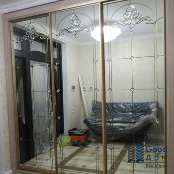 Шкаф купе с зеркалом в спальне