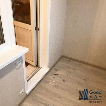 Отделка пола на балконе ламинированными панелями ПВХ