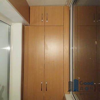 коричневый шкаф для лоджии