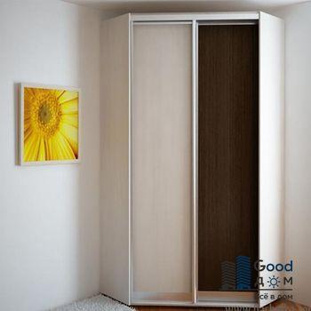 просторный шкаф