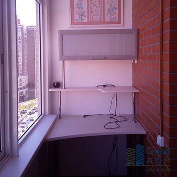 Стол с полками на балкон