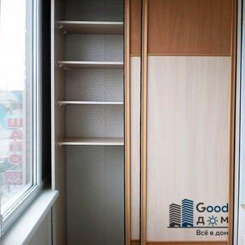 красивый шкаф-купе на балкон