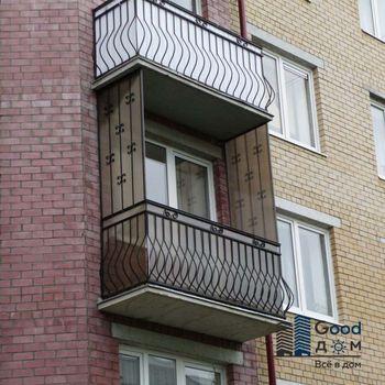 Балкон снаружи открытый