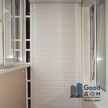 Светлый шкаф на балкон с рольставни