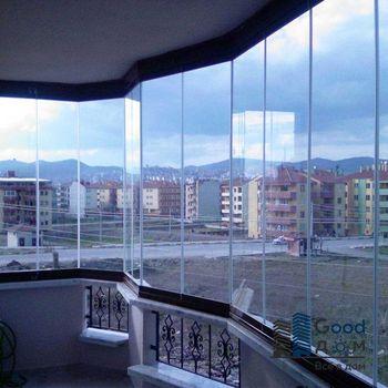 Панорамные окна на балконе