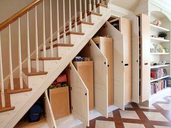 Распашной шкаф под лестницей