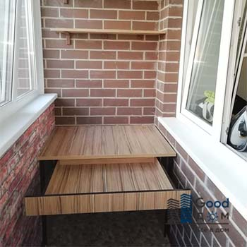 Рабочий стол на балконе