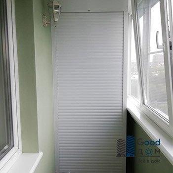 Встроенный шкаф с рольставни на балкон