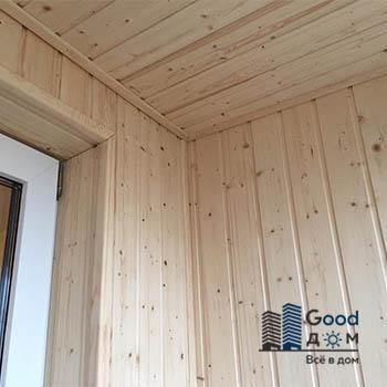 Отделка лоджии деревянной вагонкой
